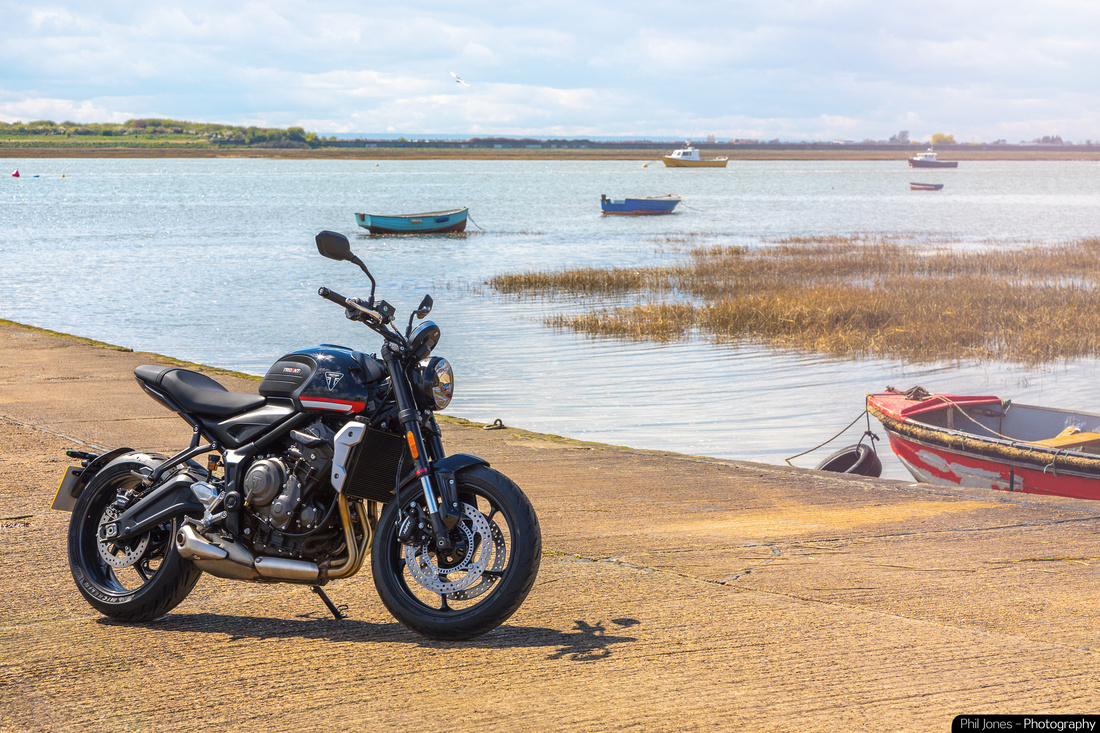 Triumph Trident 660 First Ride Review YouTube Video and Photoshoot with Triumph Essex