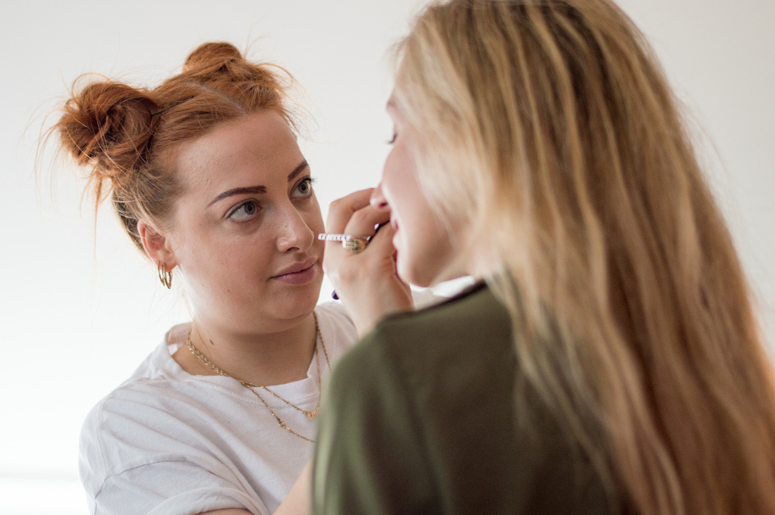 Makeup artist Ema Tiller Cordy and model Nina preparing for the shoot