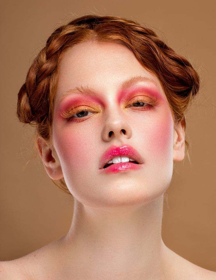 Look 3. Beauty photoshoot with model Grace Cairns, makeup by Gemma Howell. Photography by Phil Jones