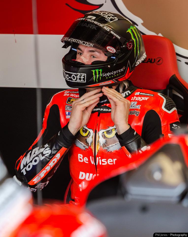 Scott Reading in the garage at the British Superbikes