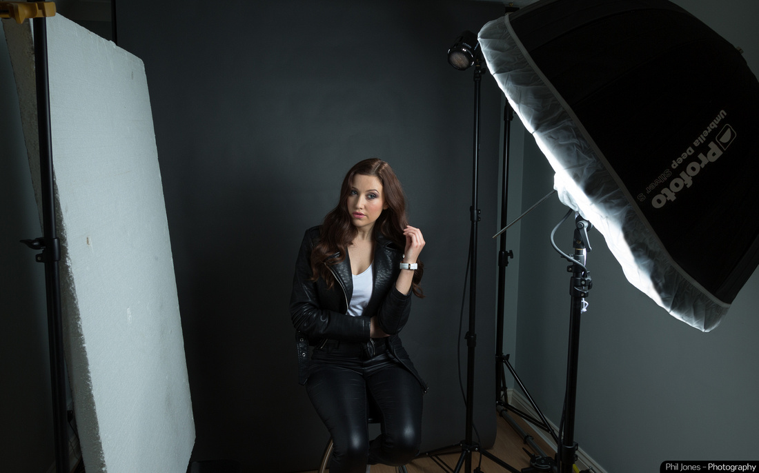 Behind the scenes photoshoot with actor Lucy Scarfe. Profoto B2 Location Kit with Umbrella Deep,