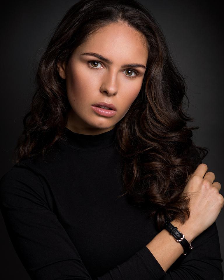 Model Rebecca White
