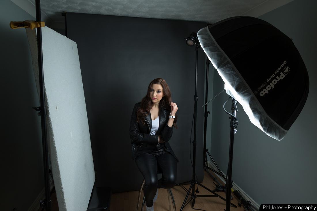 Studio set up using Profoto B2 Location Kit, Deep Silver Umbrella - small and OCF 10° Grid as a hair light.